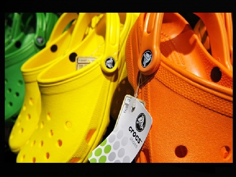 Crocs closing last of manufacturing facilities, CFO resigning